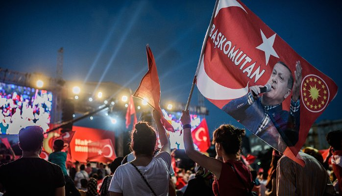 Erdoğan innesca un terremoto politico in Turchia