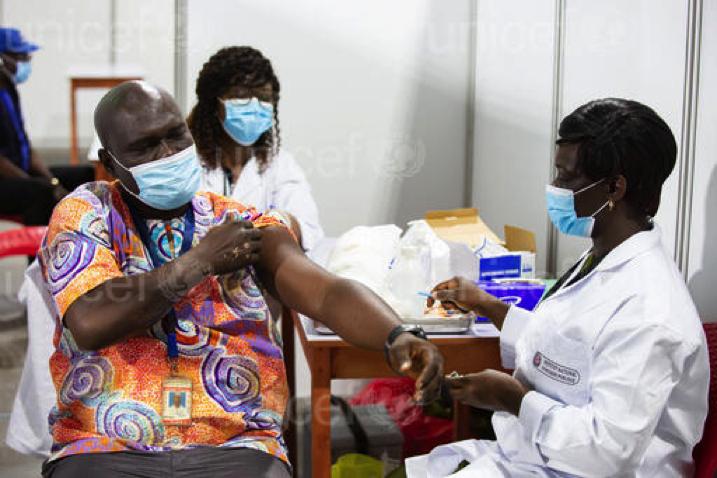 COVAX/UNICEF: distribuite milioni di dosi di vaccino contro il COVID-19 in diversi paesi africani