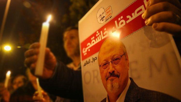 Ο Χασόγκτζι, συχνός συνεργάτης της Washington Post, δολοφονήθηκε στις 2 Οκτωβρίου μέσα στο Προξενείο της Σαουδικής Αραβίας στην Κωνσταντινούπολη.