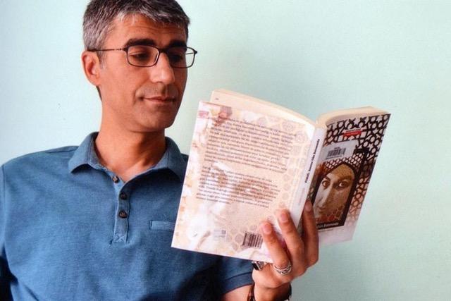 """I'm still 22.""Ilhan Sami Çomak, a poet in a Turkish prison"
