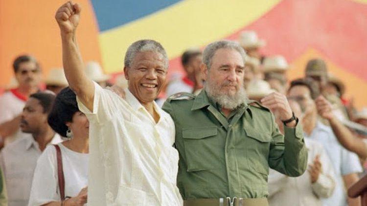 Mandela con Castro