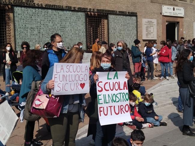 mani_scuola_pasquale_4