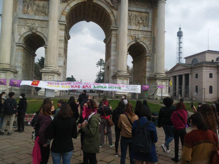 Milano, le donne denunciano il regime turco patriarcale e violento