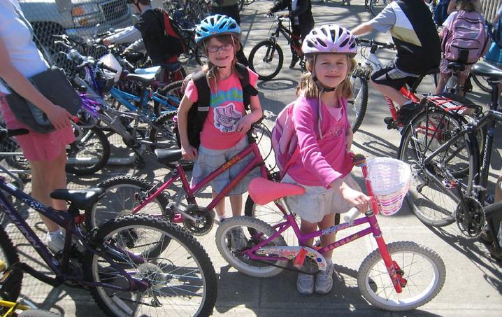 Venerdì 30 aprile tutti a scuola in bicicletta per dire sì alle strade scolastiche
