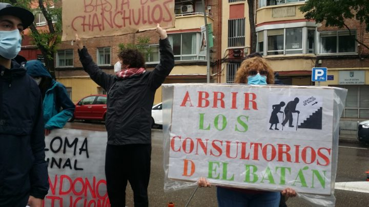 Concentración Sanidad Pública Latina20210425_120649