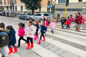 Togliere i cancelli: scuole aperte e una comunità educante
