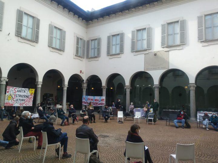 Piccolo Teatro di Milano, l'occupazione dei lavoratori dello spettacolo