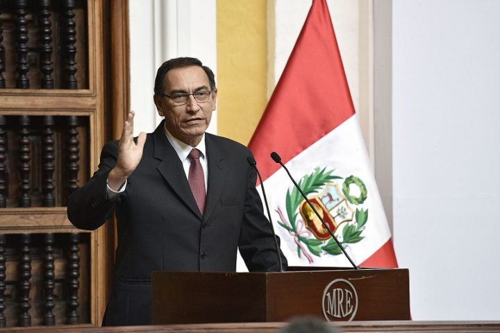 [Perú] Congreso inhabilita a Martín Vizcarra