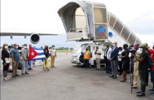 Cuba invia 159 medici internazionalisti in Gabon