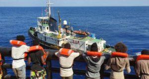 Διεθνές κάλεσμα στήριξης στους διασώστες του «Μάρε Ιόνιο»