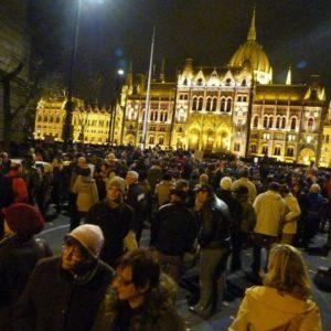 Suspensão da lei de ONGs na Hungria é insuficiente para proteger a sociedade civil