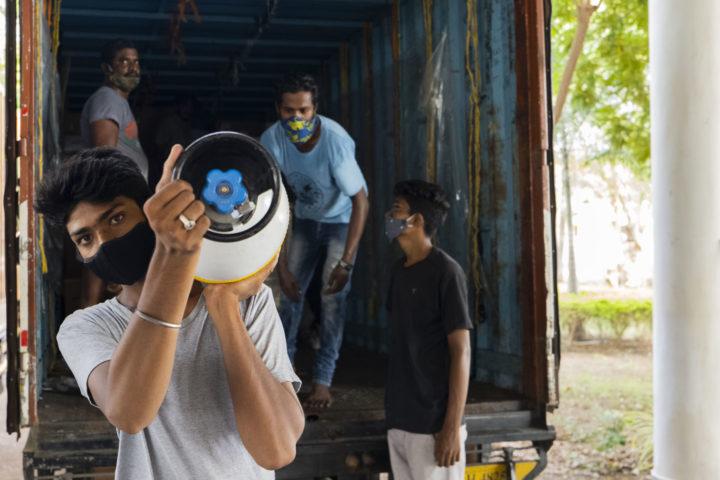 Le forniture mediche del volo umanitario della Fondazione Vicente Ferrer e di Open Arms sono arrivate all'ospedale di Bathalapalli in India