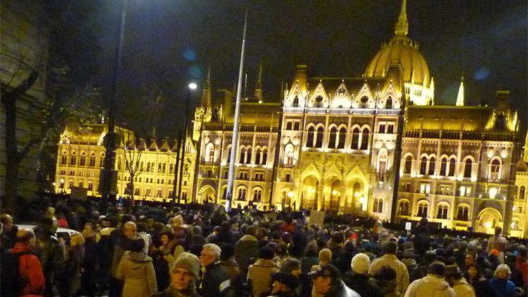 Ungarns Abschaffung des NGO-Gesetzes reicht zum Schutz der Zivilgesellschaft nicht aus