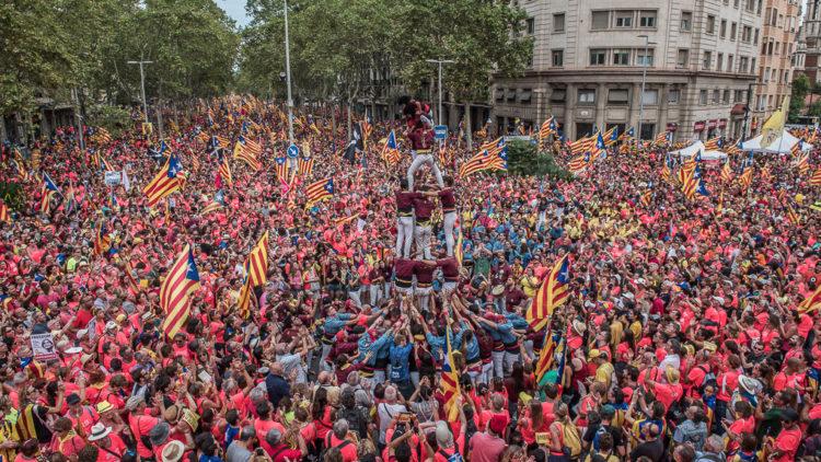 Catalunya: un nou govern per a velles polítiques