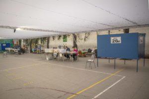 Εκλογές στη Χιλή: τα κόμματα δεξιάς και κέντρου χάνουν έδαφος, οι ανεξάρτητοι κερδίζουν και η αποχή 60%