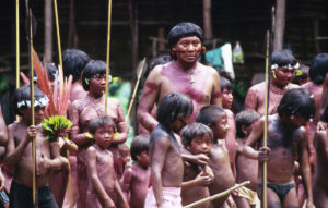 Tribunale ordina al governo Bolsonaro di proteggere i popoli indigeni del Brasile