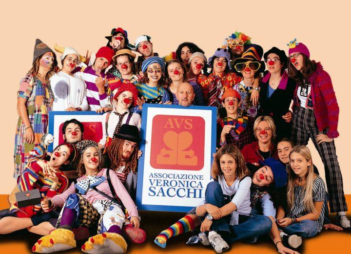 Clown-terapia, la rivoluzione del sorriso. Intervista a Ettore Sacchi