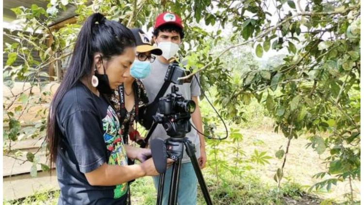 Medios comunitarios en Ecuador