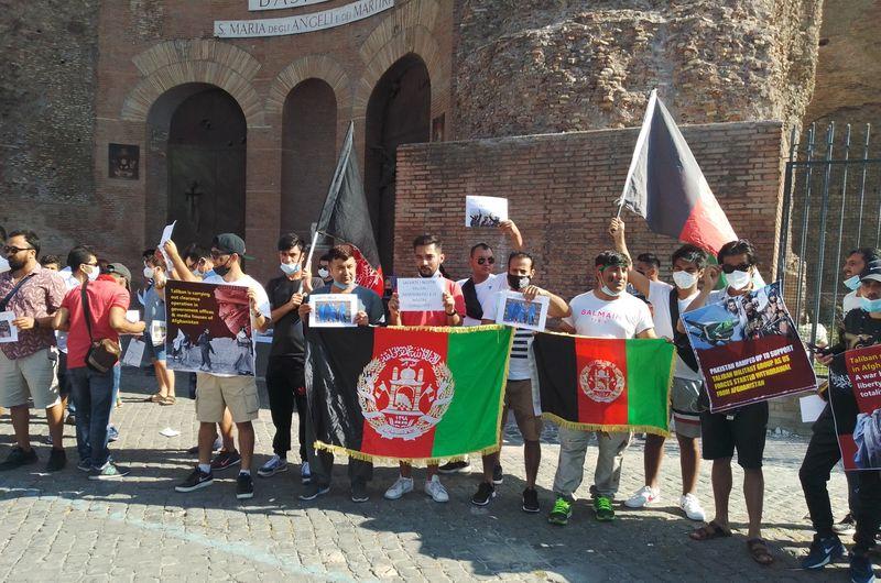 Manifestazione comunità afghana