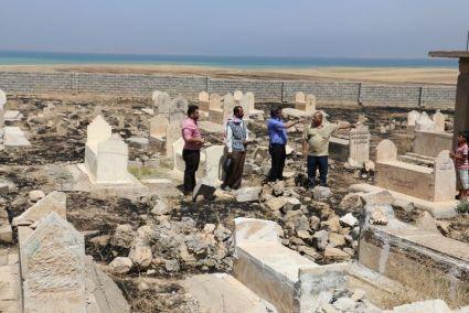 Yezidi cimitero bombardato