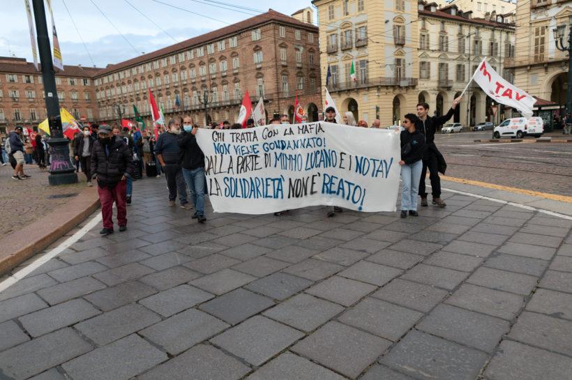 """Torino si è stretta attorno al """"suo"""" Mimmo Lucano"""