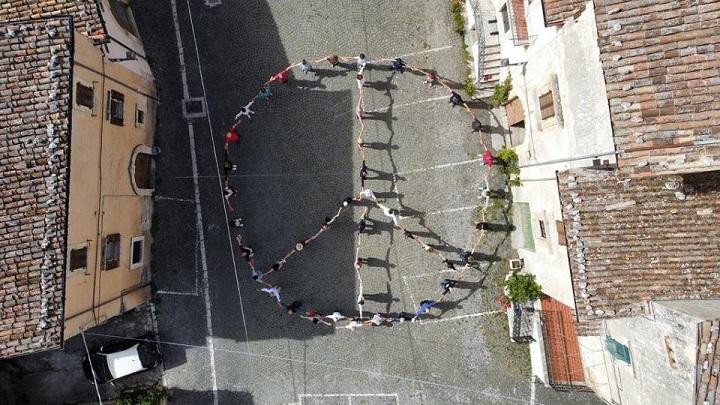 Símbolo de Paz apoyando la Marcha