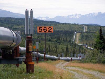 Trans-Alaska Pipeline System. It runs from the Arctic Ocean to the Gulf of Alaska at Valdez 800 miles (1,300 km)
