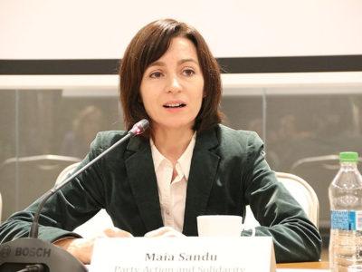 800px-Presidential_candidate_Maia_Sandu,_Chisinau,_12_November_2016.v1