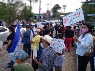 protesta contro Zede Sua Martinez