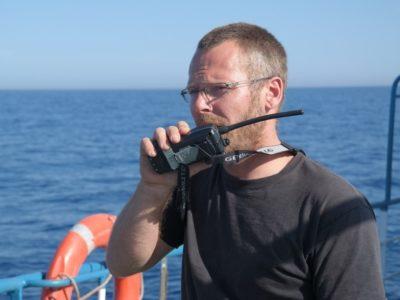 Ο Sascha, μέλος του πληρώματος του Luventa, φωτογραφία