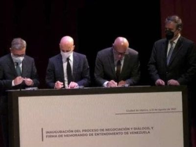 The Government of Venezuela and the opposition (United Platform) sign a memorandum of understanding to begin the political negotiations in Mexico City, Mexico. August 13, 2021.