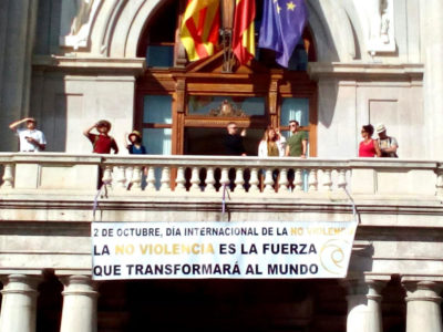 Banner on the balcony of the Valencia City Hall (2021)